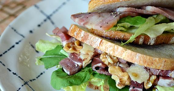 パンチェッタのサンドイッチ