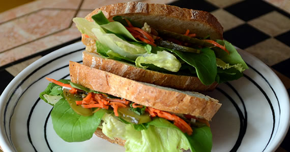 野菜のサラダサンド