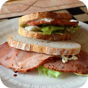 特製焼き豚のサンドイッチ